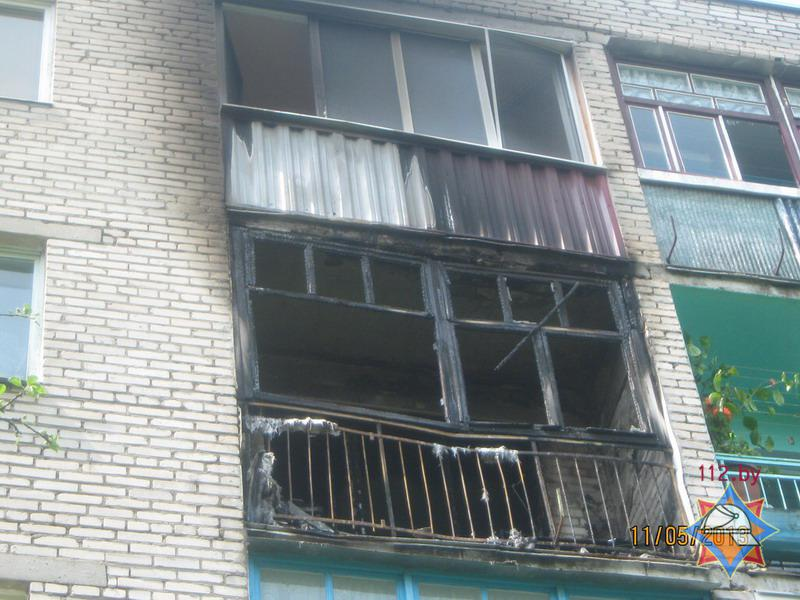 В волковыске от брошенной с верхнего этажа сигареты загорелс.