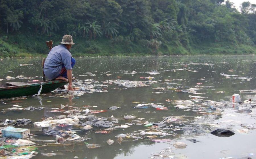выбросить в реку фотографий доказать
