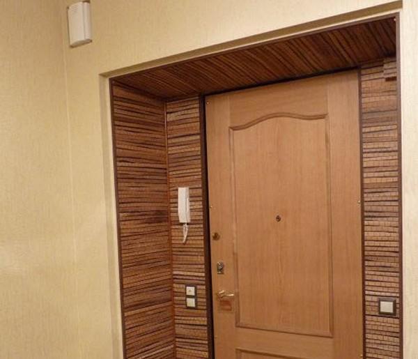 Оформление входной двери внутри квартиры (ФОТО)