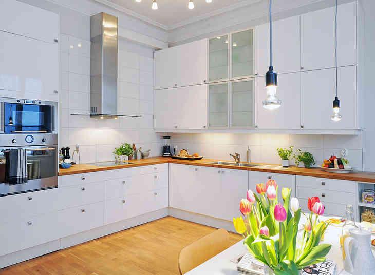 Фото дизайн белых кухонь в