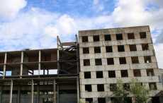 Второй человек за год упал с недостроенного здания в Барановичах