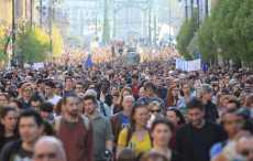 Тысячи людей вышли на акцию протеста в Венгрии