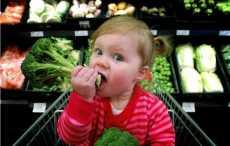 Ученые рассказали, как приучить маленького ребёнка к овощам