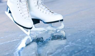 При учреждениях образования зальют 25 ледовых площадок и 16 хоккейных коробок