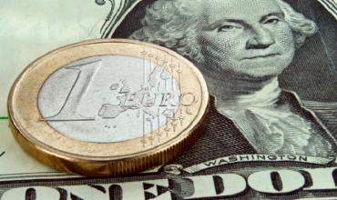 Евро и доллар подешевели на БВФБ
