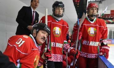Хоккейная команда президента победила брестских соперников