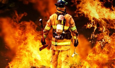 На съемках фильма с Брюсом Уиллисом погиб пожарный