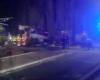 Страшная авария во Франции: поезд протаранил школьный автобус